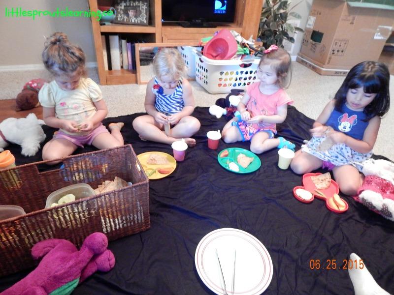teddy bear picnic plates