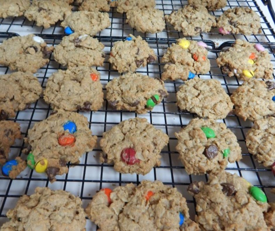 Wanna make the best cookies you ever ate? Check out this no flour monster cookie recipe for all the cookie monsters in your life.