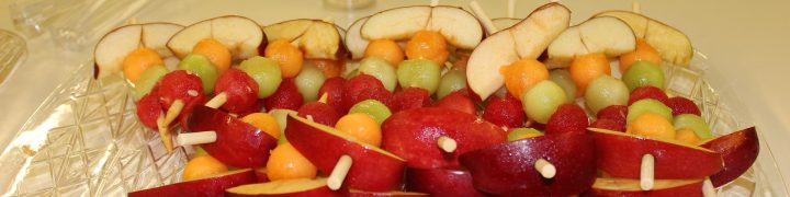 FRUIT KABOB RECIPE: Cooking with kids does not have to be super difficult or elaborate. Anything that gives them hands-on exposure to the process of preparing food has untold benefits. These fun fruit kabobs can help kids get their hands on food without killing you with prep or clean up. Cook with your kids!