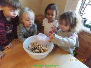 cooking with kids-snack mix
