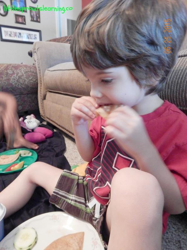 eating teddy bear picnic