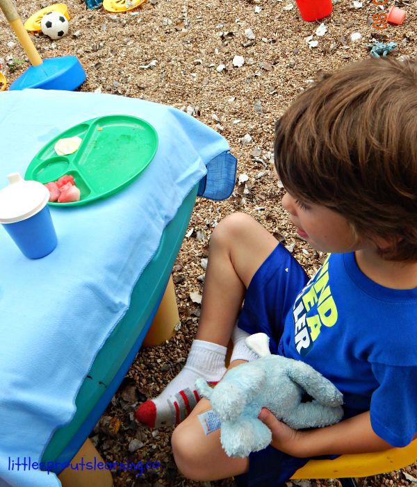 friendship week teddy bear picnic outside