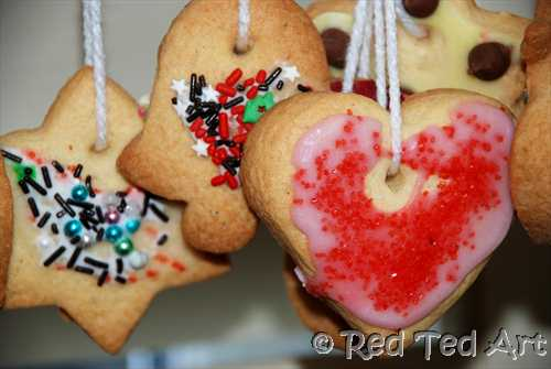 homemade cookie ornaments, gifts kids can make