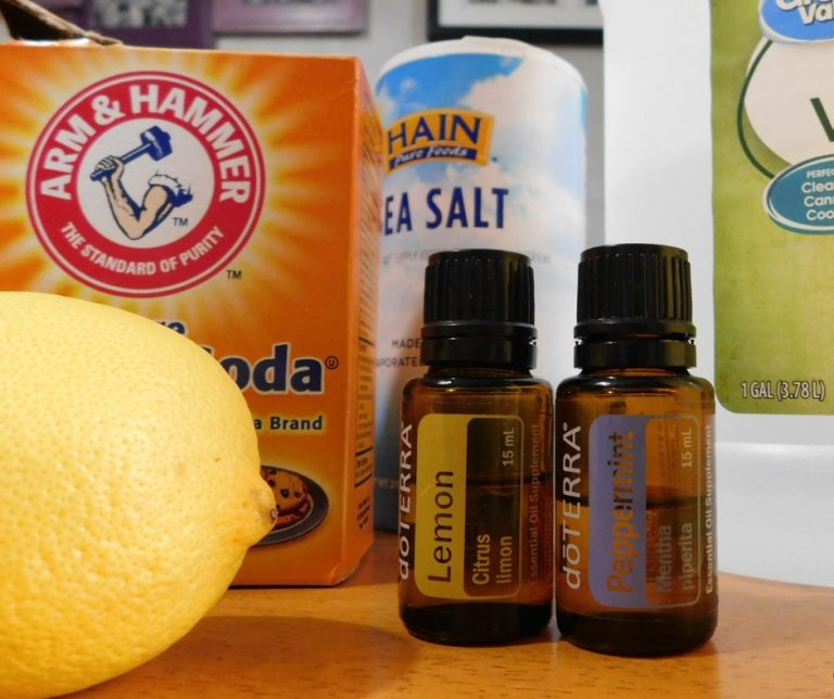 Natural Cleaning Products to Make Yourself