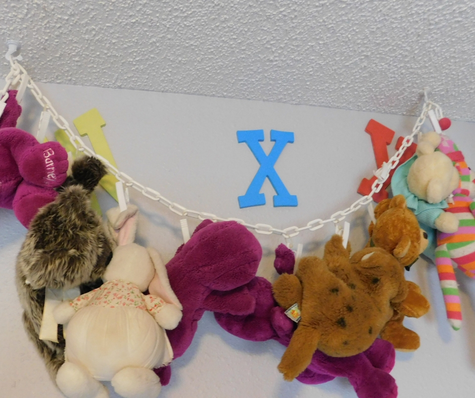 chain with hooks for storing stuffed animals how to organize toys