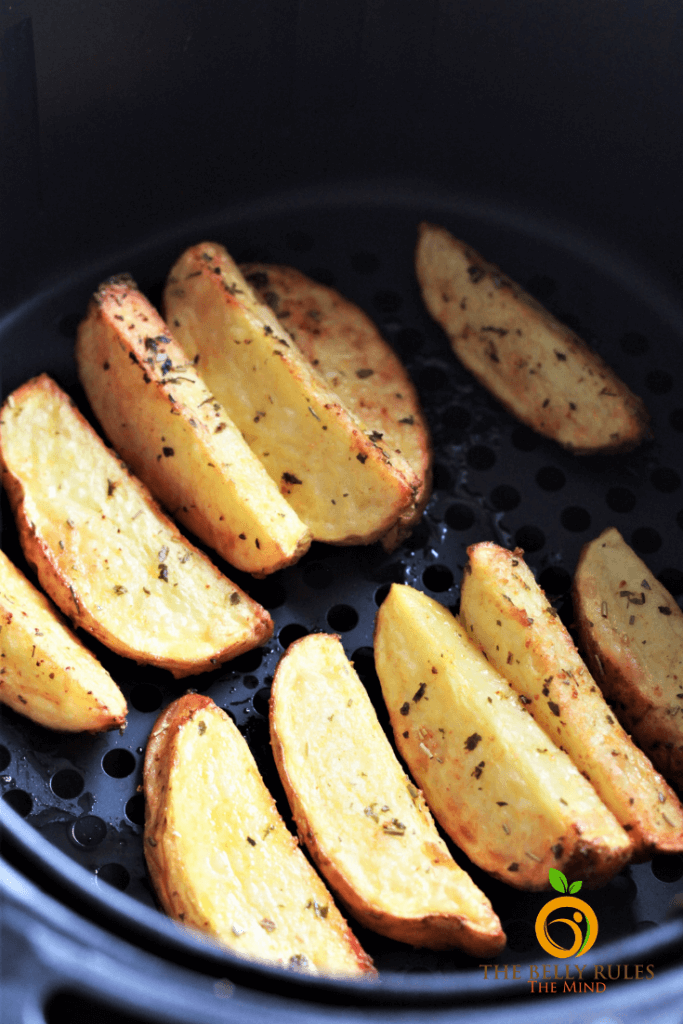 crispy potato wedges in an air fryer